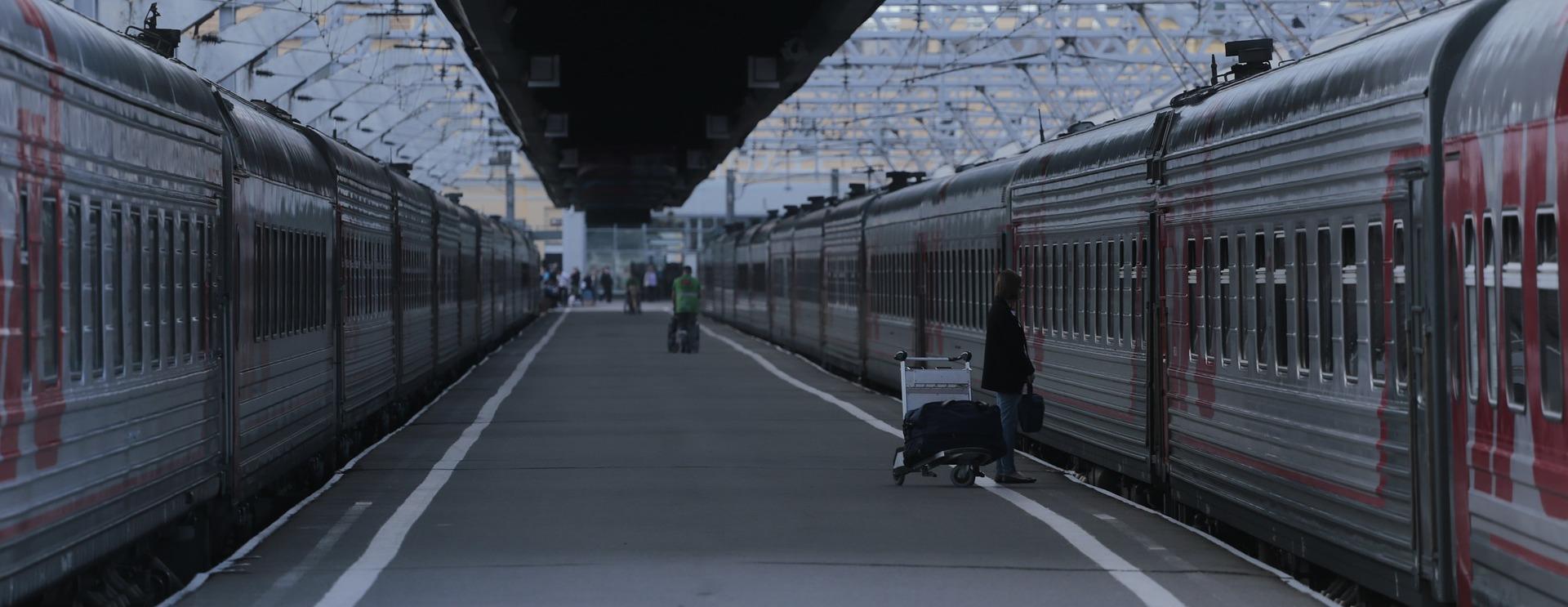 «Уральские локомотивы» поставили почти 100 грузовых локомотивов РЖД